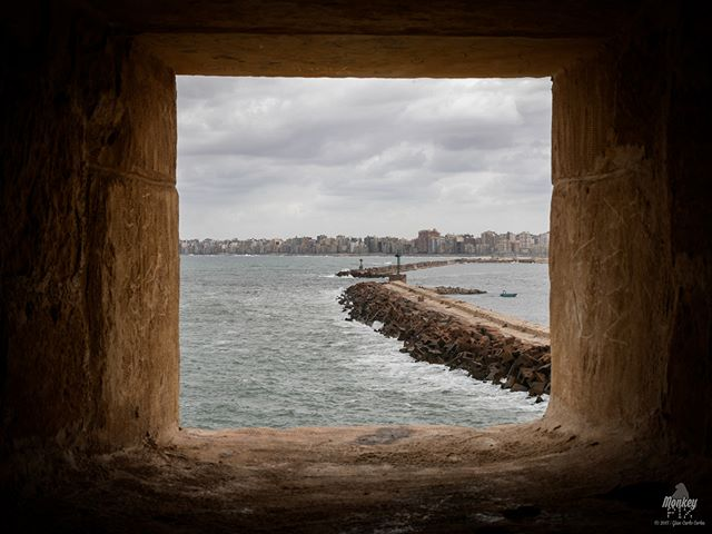Another view.-Alexandria, Egypt | October '17 2017 Gian-Carlo Corba | ThisIsHowISeeTheWorld.com | MonkeyPix.org | Vagamondus.com-#Alexandria #Egypt #Window #Sea #Mediterranean #CityScape #SeaScape #Clouds #Cloudy #Perspective