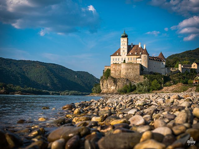 Majestic views.-Schönbühel an der Donau, Austria (next to Melk).I had the pleasure to sleep very close to this amazing castle during my bike ride along the Danube river where i've crossed Germany and Austria through about 370km.-2018 | Gian-Carlo Corba | MonkeyPix.org ThisIsHowISeeTheWorld.com@monkeypix_official-#Danube #Donau #Melk #Schonbuhel #Austria #Sky #SkyPorn #Nature #Castle #LandScape #Nature #Summer #River #RiverScape #Ancient #Wild  #landscapephotography #landscapephoto #ourplanetdaily #stayandwander #Cloudporn #Skylovers #MonkeyPix